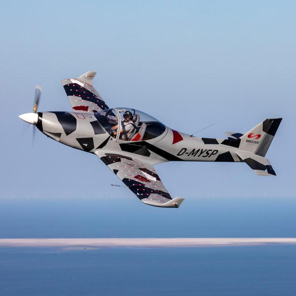 Moin Lieblingsland Firma Breezer Aircraft